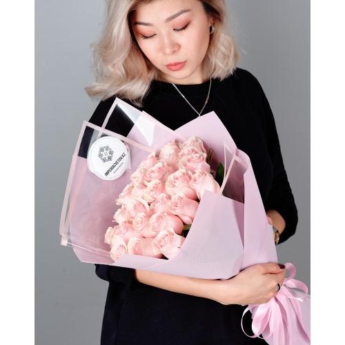 Купить на заказ Заказать Букет из 25 розовых роз с доставкой по Кызылорде с доставкой в Кызылорде